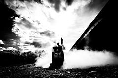 work in progress (Hendrik Lohmann) Tags: street streetphotography strase strassenfotografie menschen people bwstreet bw blackandwhite machines nikon df hendriklohmann work