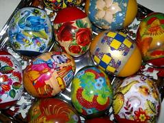 2017-04-15-8911 (vale 83) Tags: easter eggs friends macrodreams nokia n8 coloursplosion colourartaward flickrcolour autofocus beautifulexpression