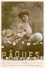 Pâques (Easter) (Alan Mays) Tags: ephemera postcards realphotopostcards rppc photos photographs foundphotos portraits greetingcards greetings cards eastercards easter pâques holidays women eggs clothing clothes dresses flowers love tinted handtinted handcolored handpainted purple pink blue french france antique old vintage typefaces type typography fonts