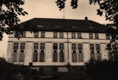 abandoned house (FotoTrenz NRW) Tags: oldhouse bw architektur verlassen leer ruine filter fotoshop monochrome abandoned