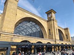 King's Cross Station, London, 12 April 2017 (AndrewDixon2812) Tags: london railway station terminus kingscross stpancras entrance clock tower arches