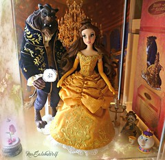 ** Designer Fairytale Collection Belle and the Beast ** (NєωSαℓємWσℓƒ ♛) Tags: belle bella bestia beast designer fairytale disney store limited edition dolls gaston heroes villains lumiere ding dong potts chip ball gown couple custom hair mirror enchanted rose magic