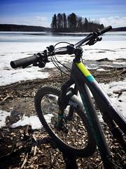 Spring 2 (pjen) Tags: santacruz mtb finland nature lake ice snow spring carbon fullsuspension nordic boreal maastopyörä pike 275 650b kashima trail bicycle bike 2x11 outdoor vehicle 5010 5010cc