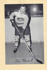 1944-63 NHL Beehive Hockey Photo / Group II - DON MARSHALL (Left Wing) - Autographed Hockey Card (Montreal Canadiens) (#266) (Baseball Autographs Football Coins) Tags: hockey beehive 1934 1967 19341967 groupi groupii groupiii woodgrain torontomapleleafs bostonbruins newyorkrangers montrealcanadiens chicagoblackhawks detroitredwings montrealmaroons newyorkamericans card photos hockeycards brooklynamericans nationalhockeyleague nhl donmarshall leftwing