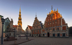 Melngalvju Nams (Fil.ippo) Tags: houseoftheblackheads melngalvjunams townhallsquare municipio riga lettonia latvia sunset tramonto light filippo filippobianchi cityscape d610 travel vecriga