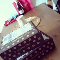 #glossybox #birthdaypresent #finally whoop whoop #beautyshizzle von den besten girls   Glossy Box tests et avis sur la box (passionthe) Tags: test paris les french la commerce box femme glossy beaut gift instant sa bonne discovery plaisir hommes femmes avis cadeau coffret choisir toutes glossybox cosmetique echantillons