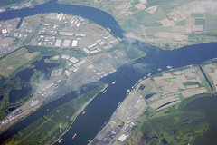 Above North Portland and the Willamette and Columbia Rivers, Oregon and Washington (cocoi_m) Tags: oregon washington columbiariver willametteriver northportland aerialphotograph haydenisland