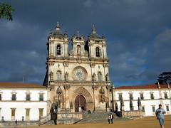 Alcobaa (abbaye - Portugal)_57 (rv31) Tags: portugal cuisine gargouille chemine abbaye tombeau gisant alcobaa clotre ogives artrenaissance