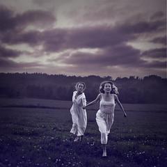 Revolutionary Dreamers (Beata Rydn) Tags: sky field night running revolution fineartphotography dreamers conceptualphotography photographicartist fotokonst swedishphotography beatarydn konceptuelltfotografi fotokonstnr svensktfotografi revolutionarydreamers