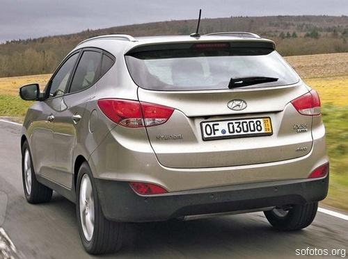Hyundai ix35 marrom traseira