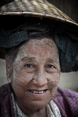 Portrait of a Bamar woman in Mandalay (Myanmar) (Josep Castell) Tags: world street old city tr