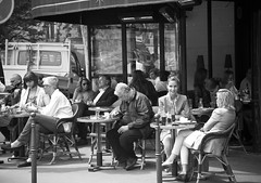 Cafe in Paris (rsantisteve) Tags: paris france canon cafe frana 15 juny 24105l 2013