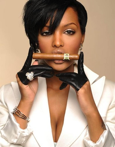 Lola Monroe says she wasnt dropped from Wiz khalifa taylor gang label