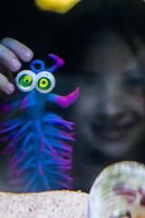 Criatura rara (Alexandre AC) Tags: brinquedo criana guaruj iluso aqurio acquamundo minhoca aneldeo
