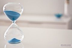 BlueSand (Jayden Sanchez) Tags: blue white clock azul canon de sand image time background clean arena reloj cristal gettyimages tiempo microstock 450d