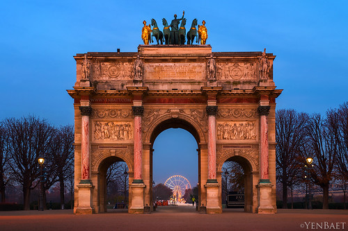 Paris - Arc de Triomphe du Carrousel and Le Grande Roue, Dawn