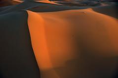 Lights and shadows. (Victoria.....a secas.) Tags: desert dunes explore desierto marruecos dunas sáhara