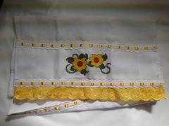Pano de Prato Bordado Ponto Cruz - Flores Amarelas C001 (SaluArts) Tags: flores de pano artesanato cruz ponto prato copa bordado