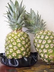 ananas_Chieri2014_P4121451 copia (stegdino) Tags: 2 two food texture fruit couple pair double due cibo coppia odc frutto ourdailychallenge