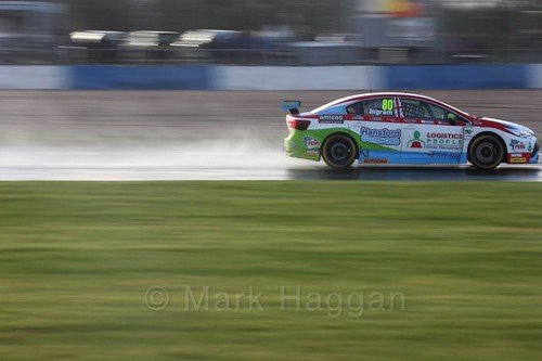 Tom Ingram in race three at the British Touring Car Championship 2017 at Donington Park