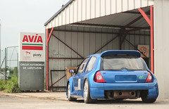 Muscles (NaPCo74) Tags: lurcy levis objectif circuit track trackday nevers france sport sportscar gt v6 clio renault french dieppe alpine blue bleu avia