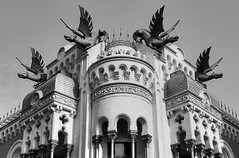 Ceuta - Dragon House (Rik Tiggelhoven Travel Photography) Tags: ceuta spain africa afrika outdoor architecture building casa dragones dragon house monochrome black white blackandwhite bn bw canon 650d 18mpapsc efs1785mmf456isusm rik tiggelhoven travel photography