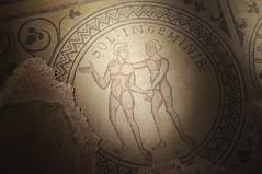 Voir la vie en double (Lau.Rence) Tags: france abbaye roman mosaïque zodiaque gémeaux double couple