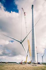 Full rotor lift L136 (LagerweyWind) Tags: lagerwey jorritlousberg lightatwork eemshaven wind windenergie windenergy construction turbine windturbine windmolen assembly rotor lift