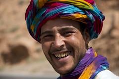 Amazigh (RubénRamosBlanco) Tags: humanos humans tribus tribes gente people color turbante turban sonrisa smile chico man young joven retrato portrait amazigh berber bereber valledelziz zizvalley marruecos morocco viajar travel