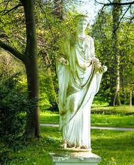 Flora - goddess of flowers and spring (claudia.kiel) Tags: eutin deutschland de schlosspark castlepark statue skulptur sculpture flora göttin goddess frühling spring blumen flowers