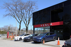 Tesla dealership (Canadian Pacific) Tags: tesla electric car auto automobile dealership charge charging station refuel toronto ontario canada canadian 1325 lawrence avenue e east american technology green environment environmental new aimg8324