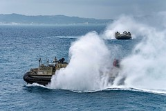 170406-N-JH293-007 (U.S. Pacific Fleet) Tags: ussgb greenbay ussgreenbay lpd20 japan sasebo bhr esg ctf76 forwarddeployed us7thfleet pacific ocean water navy ship sailors wisconsin packers vmm262 31stmeu nbu7 marines bonhommerichard bhresg patrol okinawa jpn