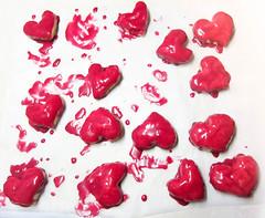Herz-Kekse (wuestenigel) Tags: blätterteig essen weiseschokolade herzkekse flourproducts liebeist hearts pastries rübensaft loveis food sweets whitechocolate beetjuice herz gebäck süsigkeiten mehlprodukte heart love liebe sweet süs romance romantik lebensmittel shape gestalten fruit frucht noperson keineperson confection konfekt romantic romantisch desktop disjunct color farbe healthy gesund health gesundheit pomegranate granatapfel valentinesday valentinstag nutrition ernährung tasty lecker delicious köstlich