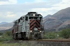 Copper Basin Train OT-1 heads to the ore dumper at Ray, Az (DTR CEO) Tags: train railroad cbry copperbasin scenic action arizona hayden kearny emd gp392 mountain