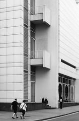 Richard Meier. MACBA #20 (Ximo Michavila) Tags: richardmeier macba ximomichavila architecture archdaily archiref archidose blackwhite graphic grey monochromatic lines barcelona cataluña spain city urban museum art modern building culture