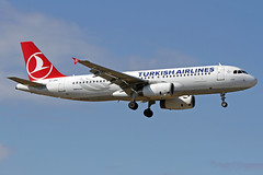 TC-JPH LMML 22-04-2017 (Burmarrad) Tags: airline turkish airlines aircraft airbus a320232 registration tcjph cn 3185 lmml 22042017