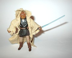 VC49 fi-ek sirch jedi knight star wars the vintage collection star wars attack of the clones basic action figures hasbro 2011 o (tjparkside) Tags: fiek fi ek sirch star wars tvc vintage collection vc aotc attack clones jedi knight episode 2 ii two battle geonosis lightsaber hilt cloak cape rode vc49 49 2011 basic action figures hasbro