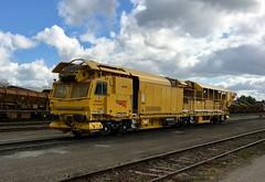 DR 92477 Fairwater Yard 25/4/2017 (Martin Coles) Tags: train trains railways rail railway networkrail fairwateryard taunton plassertheurer 997093104773 99709310477 dr92477 mfspw