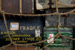 F R A G I L E (Lord Markus) Tags: old weathered baggage bag bagagli vissuti vecchi vecchio vintage borse borsone valigia valigie texture fragile rope corda suitcase travel voyage viaggio alps italy italia alpi nikon d300s