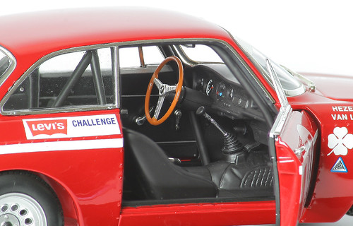 Alfa-GTA-interno2