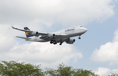 Lufthansa 747-5 (UnfinishedPortraitmaker) Tags: airplane aircraft aviation boeing ord lufthansa boeing747 747 ohareinternationalairport