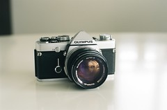 OLYMPUS OM-1 (M_&_S) Tags: camera film zeiss kodak olympus contax om om1 50mmf14 planar ektar