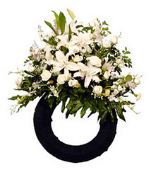 FTD Sympathy Wreath (dobdeals.com) Tags: flowers wreaths eventsupplies
