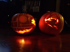GEDC0394 (Downs_in_Texas) Tags: deathstar masterchief pumkincarving halopumpkin