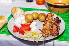 Greek barbecue (Xerethra) Tags: summer food dinner 35mm greek nikon sb600 july mat barbecue barbeque juli speedlight sommar middag nikon35mm speedlightsb600 2013 nikond80