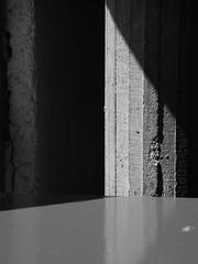 Bton brut, l'Unit d'Habitation (neil mp) Tags: shadow france architecture concrete marseille modernism lecorbusier brutalism corb bouchesdurhne modernmovement citradieuse unitdhabitation provencealpesctedazur unit btonbrut boardmarked