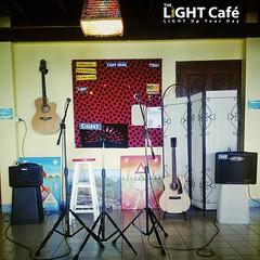 พร้อมแล้วครับสำหรับ OPEN MIC ที่ THE LIGHT Café เย็นนี้ 5 โมงเย็นถึง 2 ทุ่ม มาร่วมสนุกกันนะครับ เวที่นี้เปิดสำหรับคนรักเสียงเพลงทุกท่านครับ ดนตรีสด+กาแฟสด+มิตรภาพดีๆ