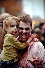 Montreal Zombie Walk 2013 / Marche des Zombie de Montral (Cyrielle Beaubois) Tags: canon montral zombie walk zombies walkers marche 70200mm f4l 2013 makeuo canoneos5dmarkii montrealzombiewalk cyriellebeaubois marchedeszombiesdemontral 19octobre2013