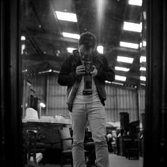 (Julien Hairault) Tags: bw selfportrait 120 6x6 tlr mediumformat square blackwhite noiretblanc kodak trix nb kodaktrix mf analogue yashica twinlensreflex yashicamat124g yashinon moyenformat vision:night=0737