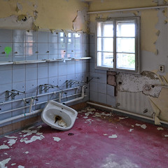 abandoned hospital (milos.moeller) Tags: abandoned sanatorium abandonedplace abandonedhospital lostplace sopienheilstätte